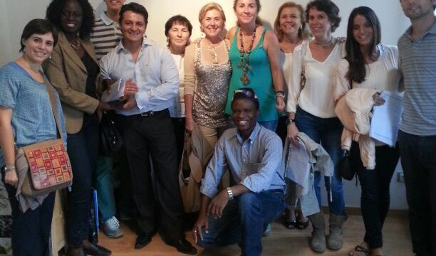 Taller solidario,organizado por nuestros amigos y amigas de la Asociación Destino Benin.